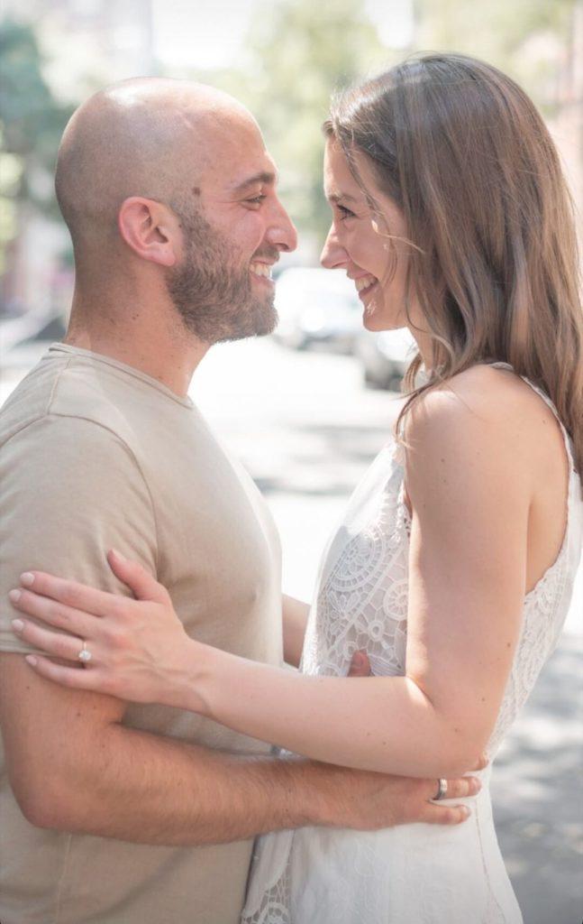 Jordan Syatt (syattfitness) proposing to his girlfriend