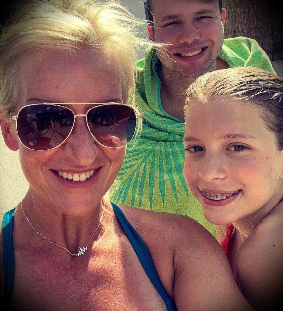 Callie Marunde Best with her children