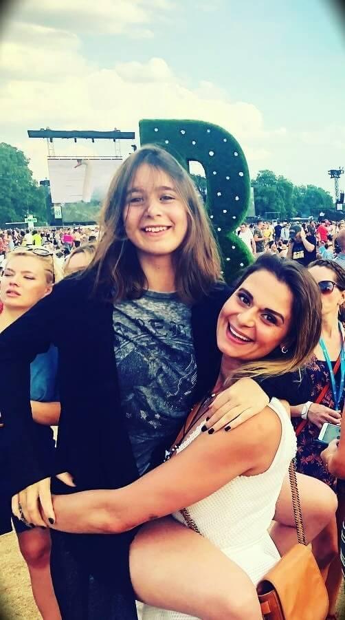 Mariana Aleksieva with her daughter