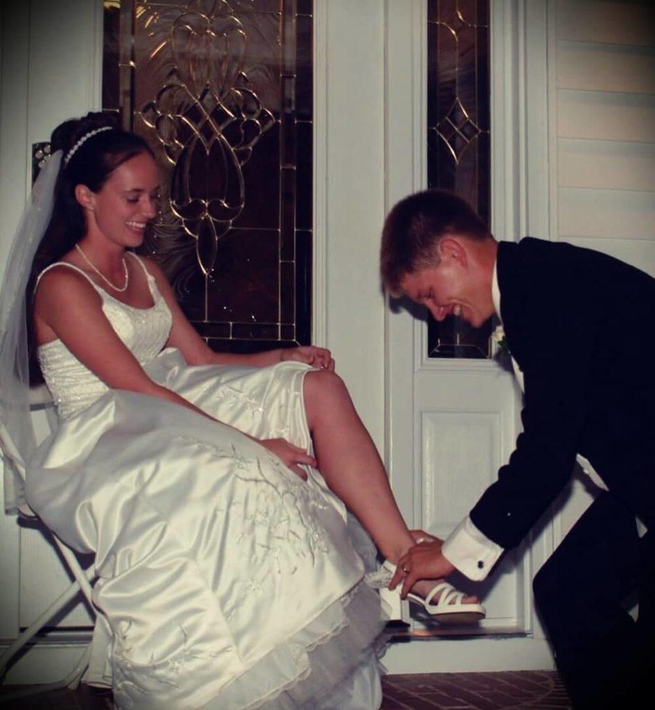 Destin Sandlin With His Wife Tara Sandlin at their wedding