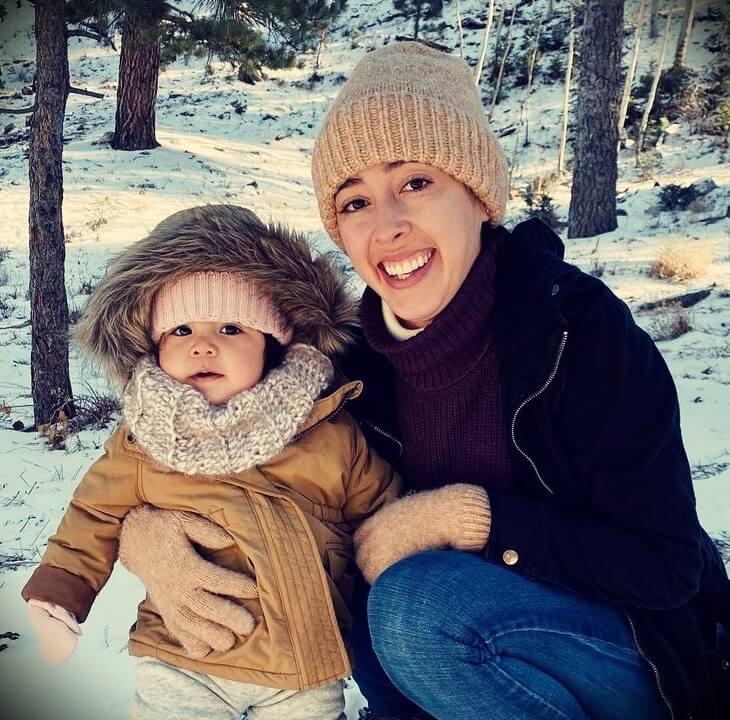 Youtuber Jonathan Santos's wife Amanda Love Santos and their daughter Alina