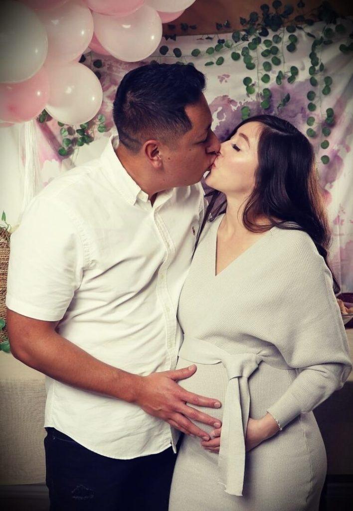 Youtuber Jonathan Santos with his wife Amanda Love Santos