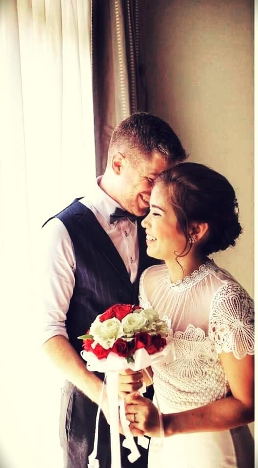 musician Marco Cirillo from Blitzguitar with his wife
