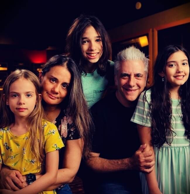 Rick Beato with his wife Nina Beato and their three children
