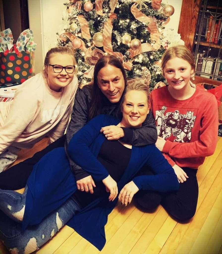 Steve Stine with his wife Jessica Stine and two daughters Lanee and Imogen