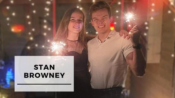 Read more about the article Top 9 Pictures Of Stan Browney With His Girlfriend