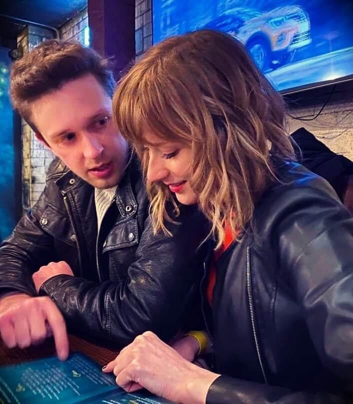 Anna Rudolf aka Anna_Chess with her boyfriend Callmekevin