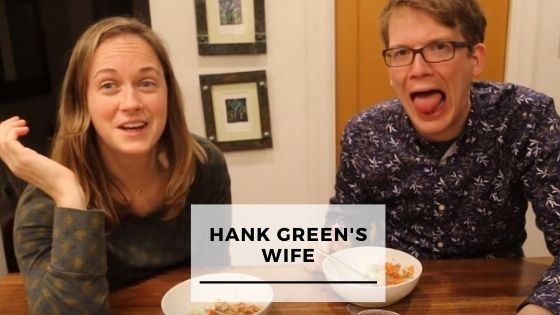 Read more about the article 9 Rare Pics Of Hank Green With His Wife
