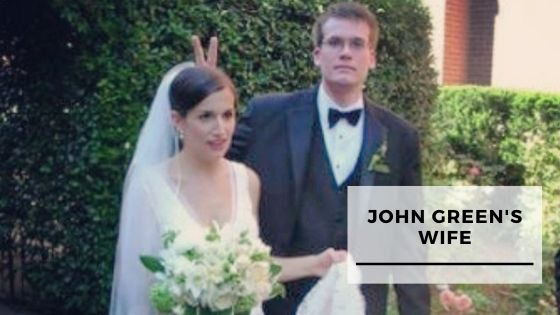 You are currently viewing 10 Rare Pics Of John Green With His Wife