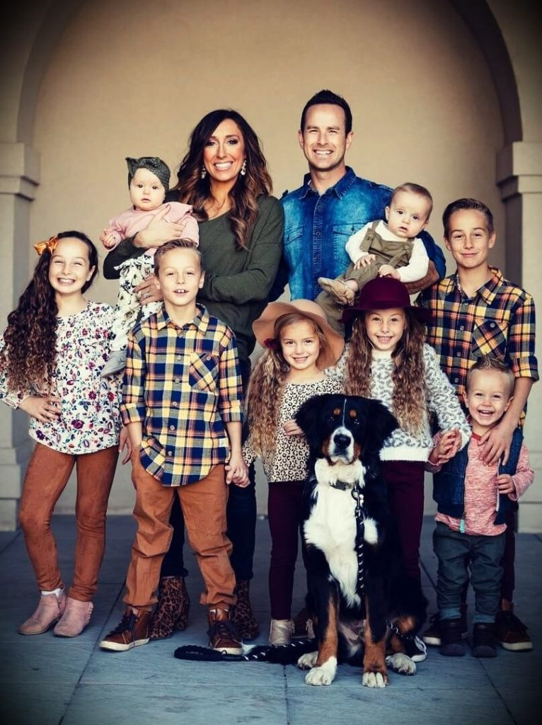 Jordan Page (FunCheapOrFree) with her husband Bubba Page and their eight children