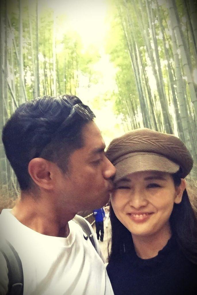 MOE/Kimono Mom with her husband