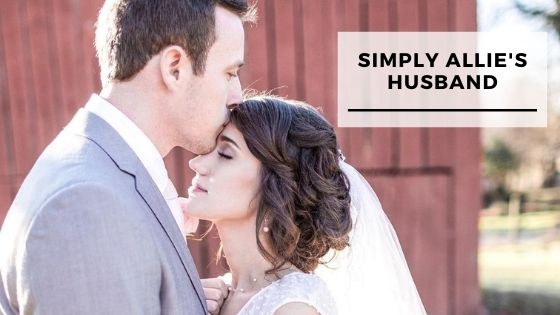 Read more about the article Top 12 Pics Of Simply Allie With Her Husband