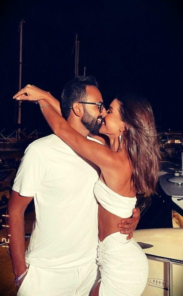 Camila Coelho with her husband Icaro Coelho